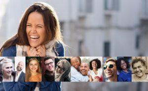 笑顔の人たちの画像